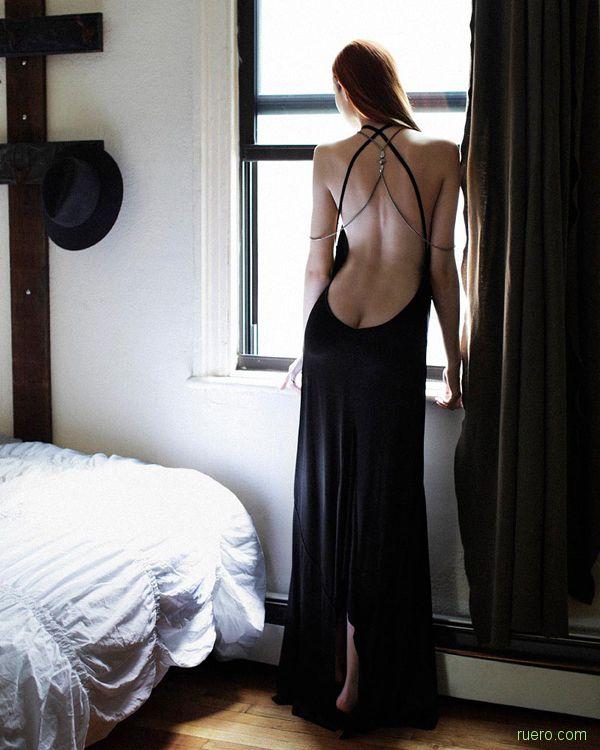 Ожидая у окна