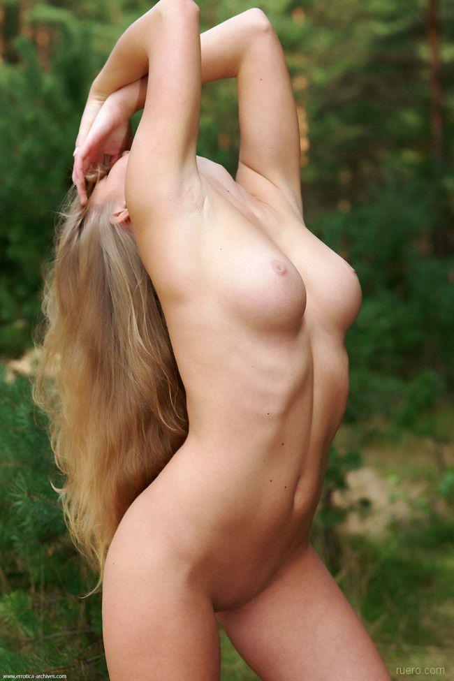 http://i.ruero.com/pic/011010/Malena/image_6.jpg