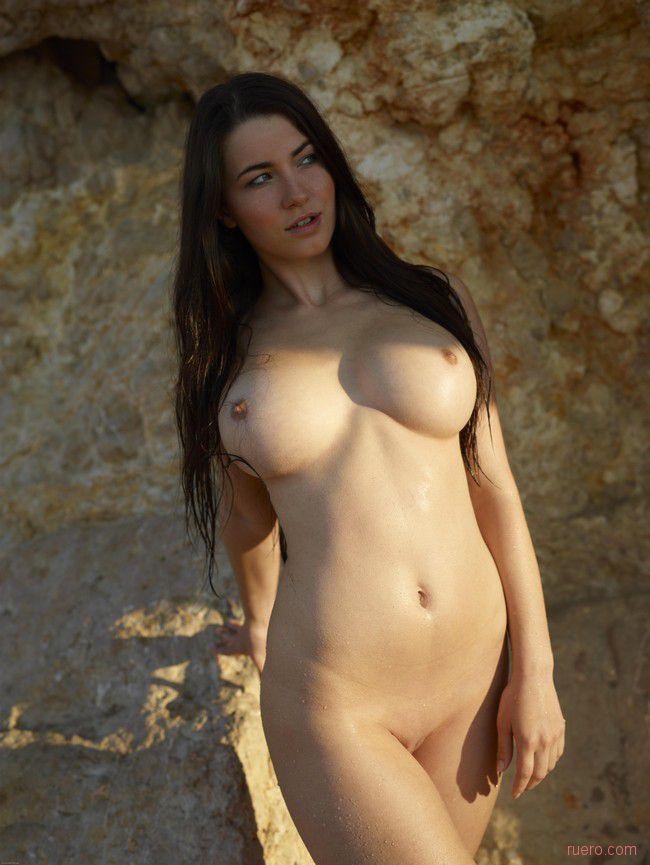 Yara : у теплой скалы