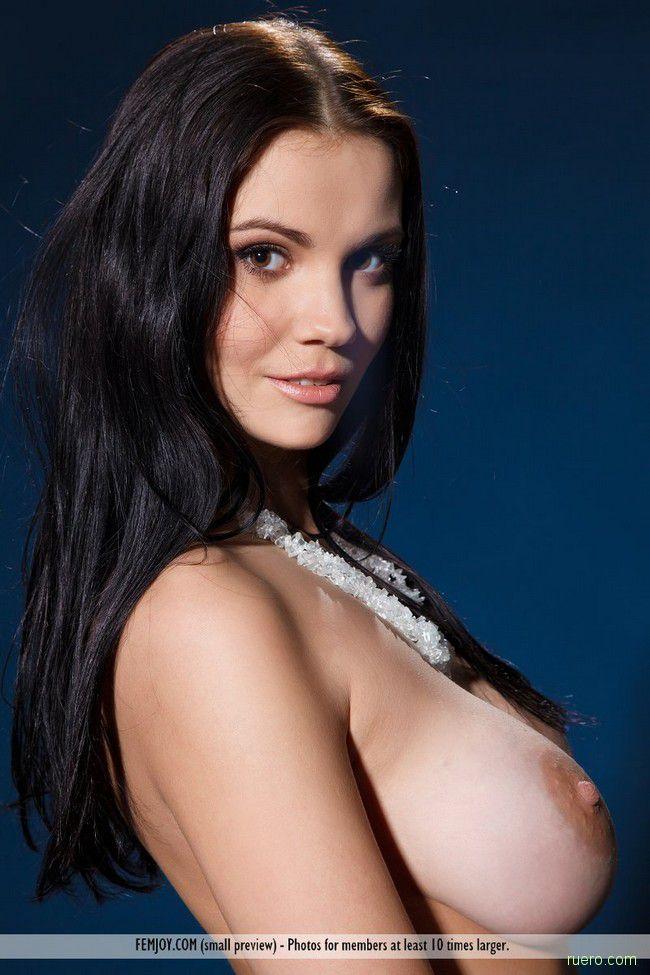 http://i.ruero.com/pic/030912/Jennifer/image_0.jpg