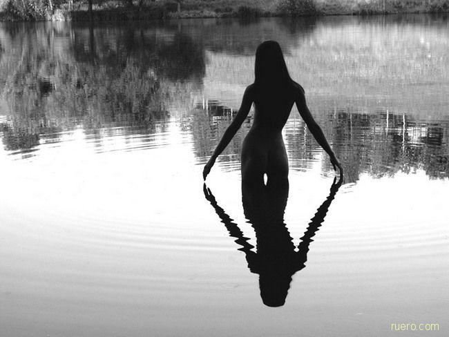 Над тихой гладию пруда…