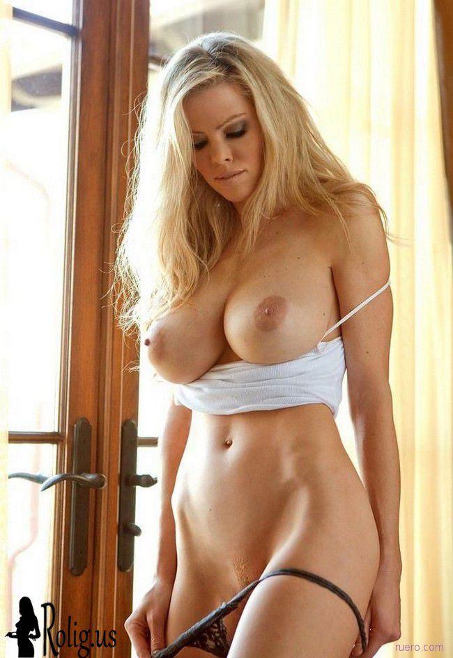 Образцовый образ блондинки