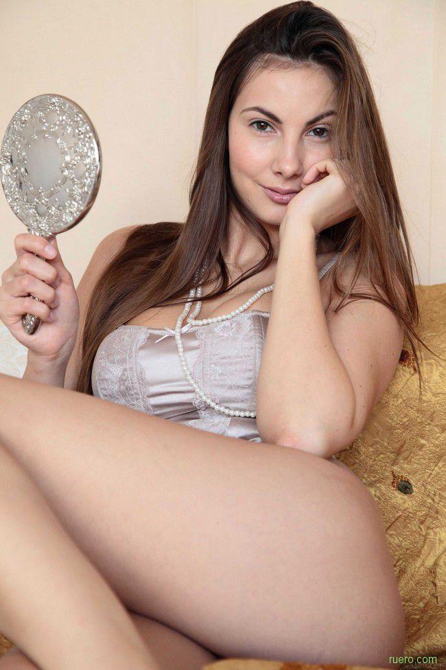 Connie Carter : свет мой, зеркальце...