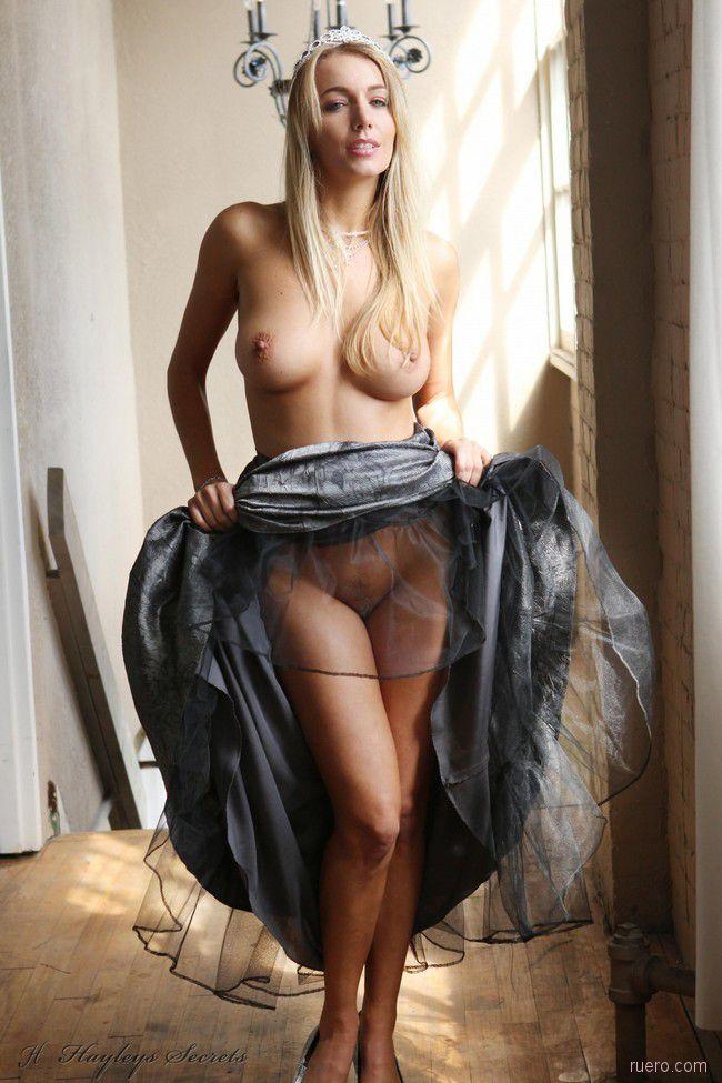 http://i.ruero.com/pic/060711/HayleyMarie/image_10.jpg