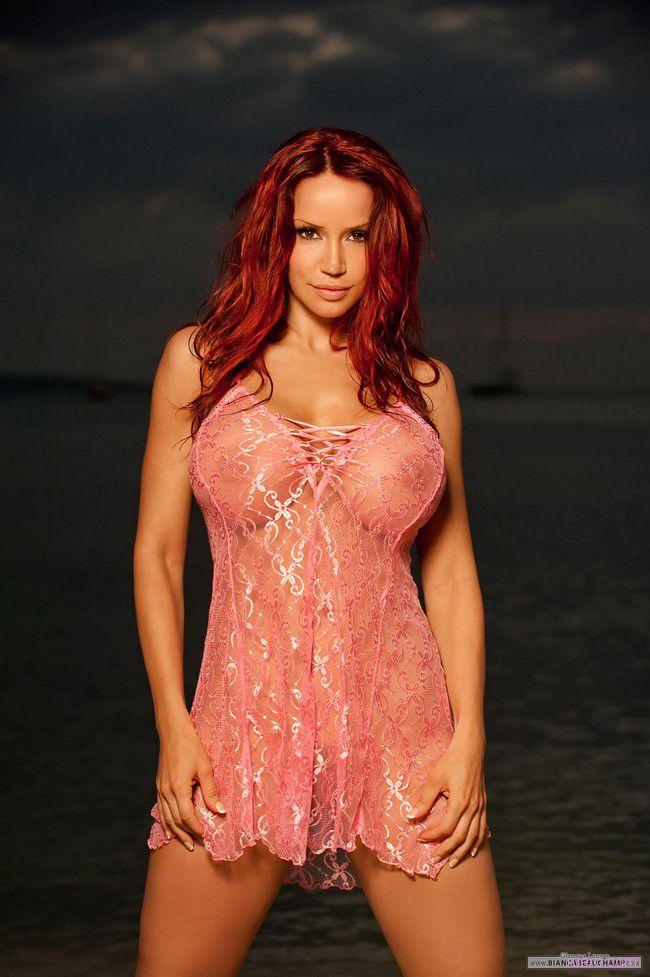 Bianca Beauchamp : на фоне вечернего моря