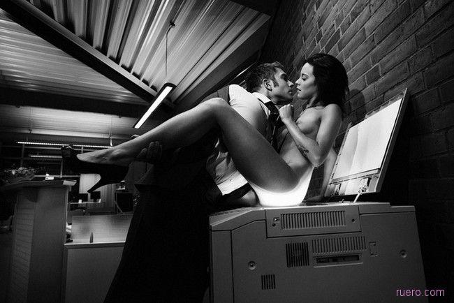 эротика фото в офисе