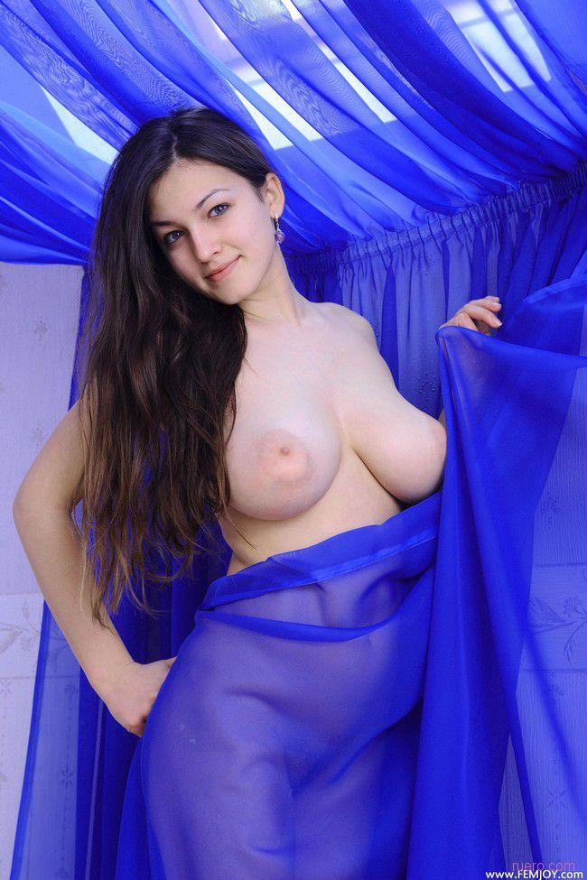 http://i.ruero.com/pic/130712/Sofie/image_1.jpg