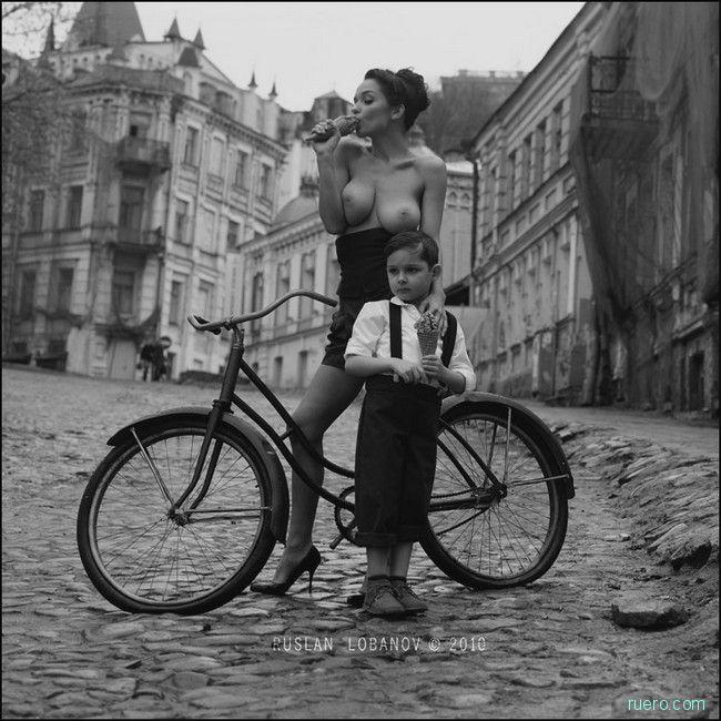 Руслан Лобанов : стильная эротика