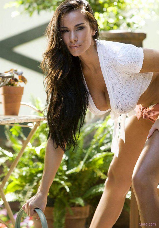 Laura Lee : садовые заботы