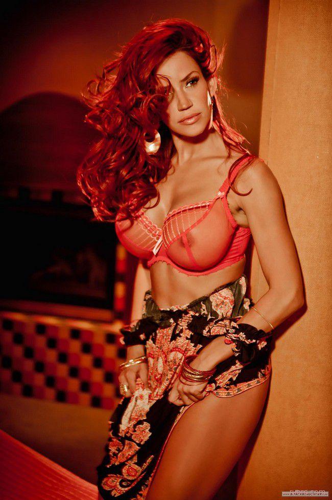 Bianca Beauchamp : вечер в красных тонах