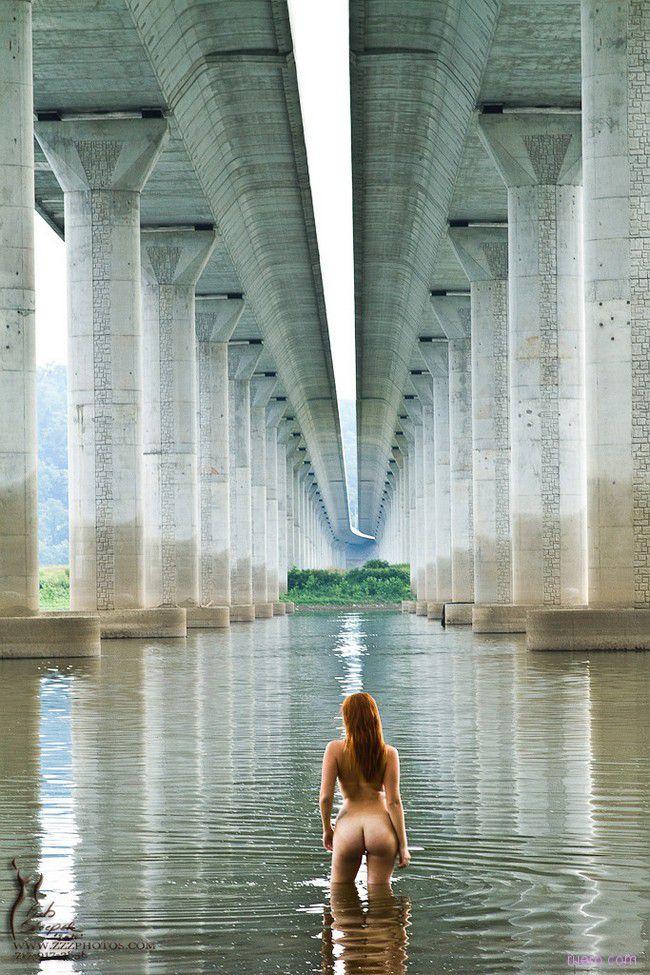 Утро под мостом
