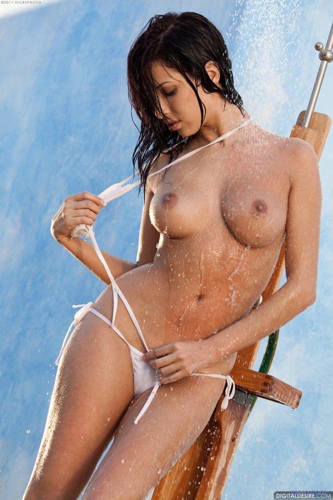 Влажное бикини