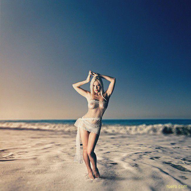 На белых песках