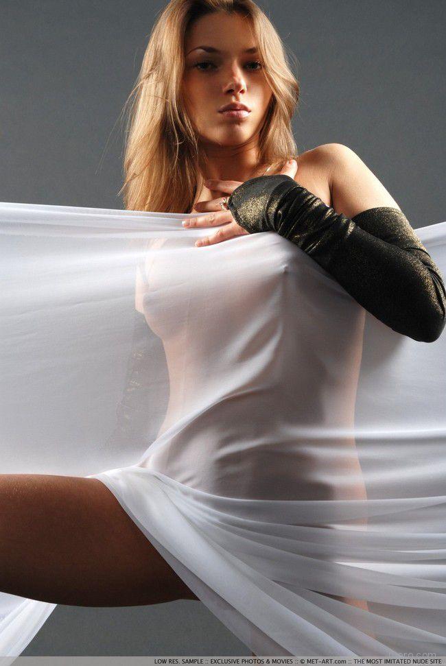 Adriana: танец в белом
