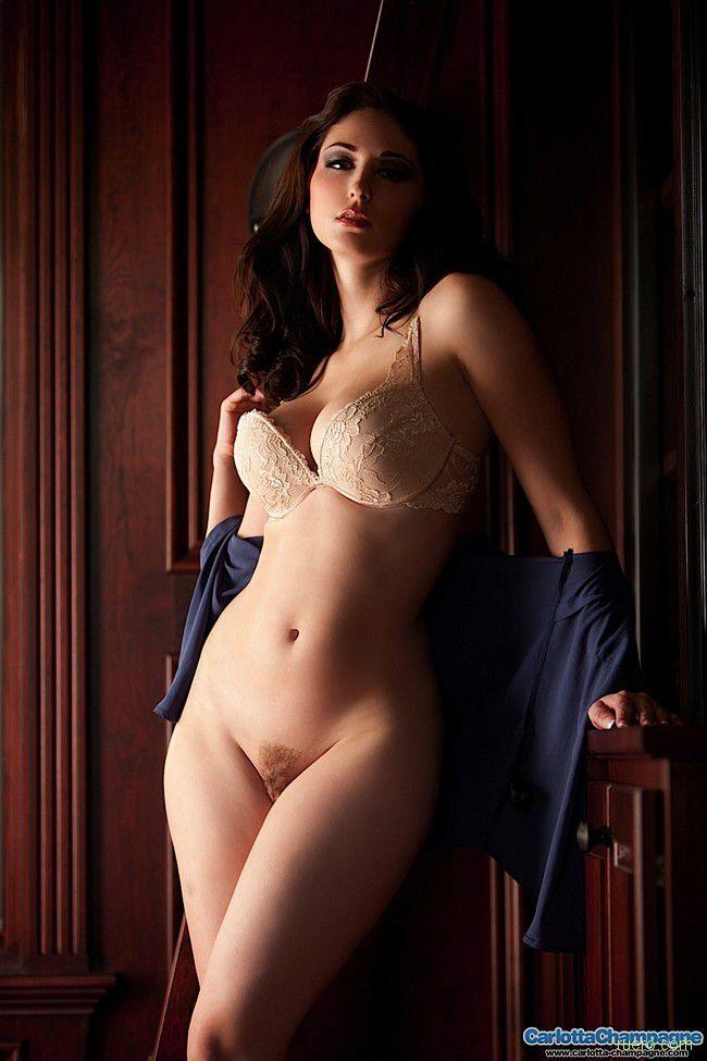 http://i.ruero.com/pic/211212/Carlotta/image_5.jpg