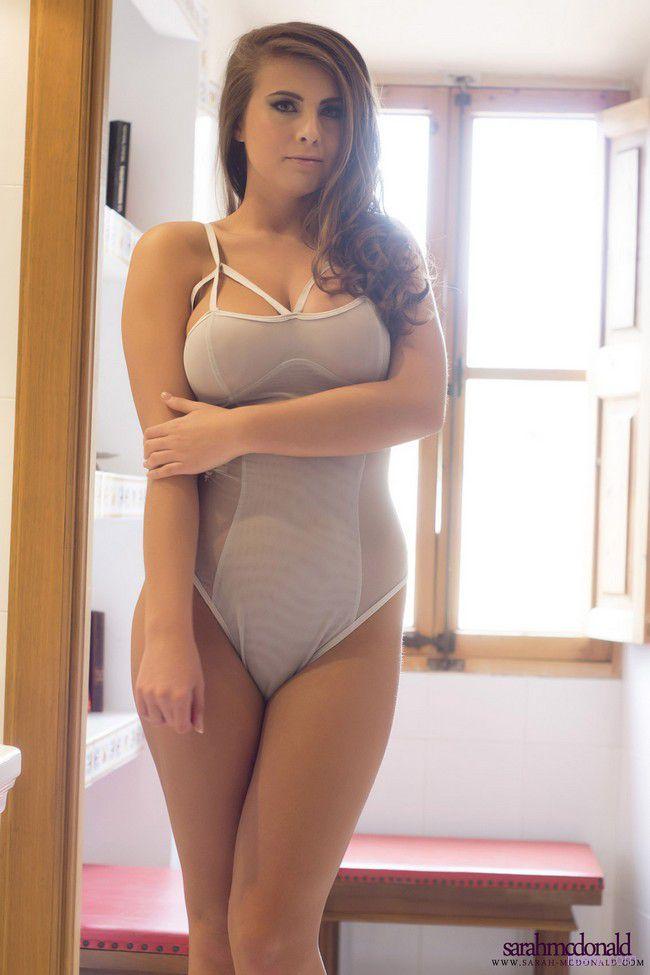 Sarah Mcdonald : этюд в ванной