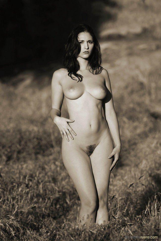 Carlotta : черно-белое полевое