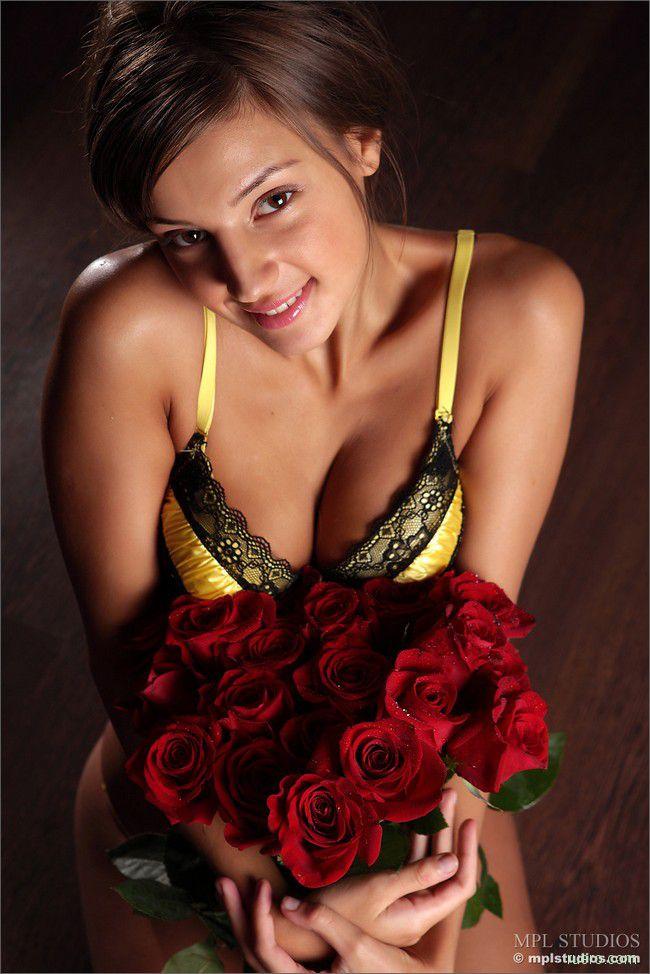 Tara : этюд с розами