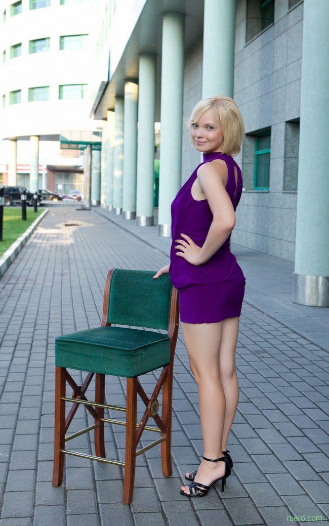Feeona A : фиолетовая блондинка