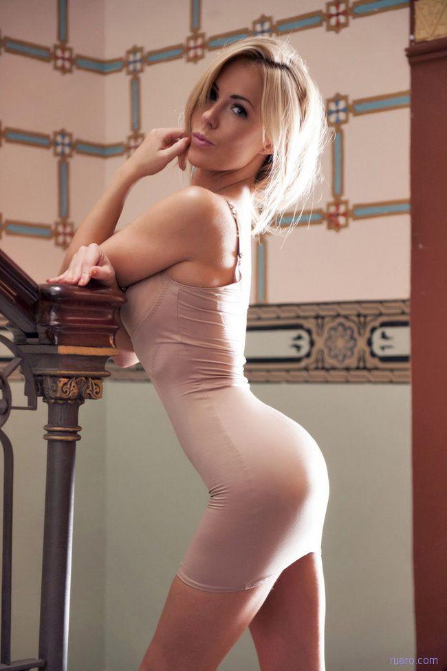 Becky Roberts : лестничная миниатюра