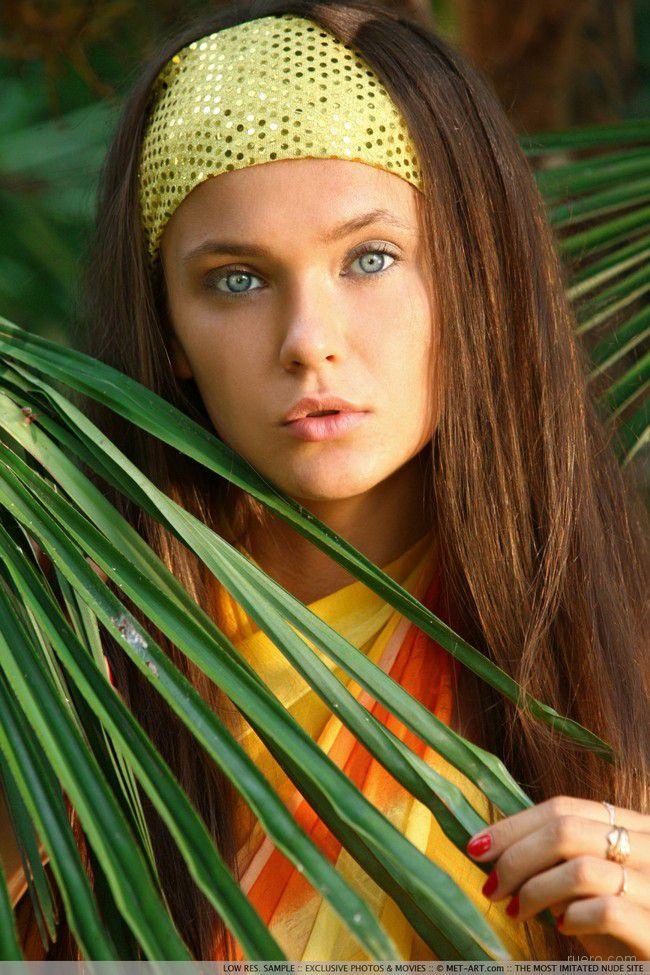 Chantelle : молодость под пальмами