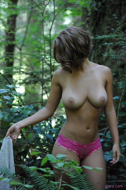 А в лесу - никого