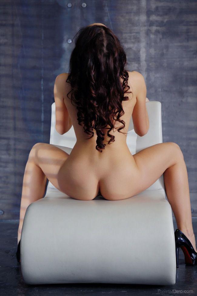 Ardelia A : кресло в стиле модерн