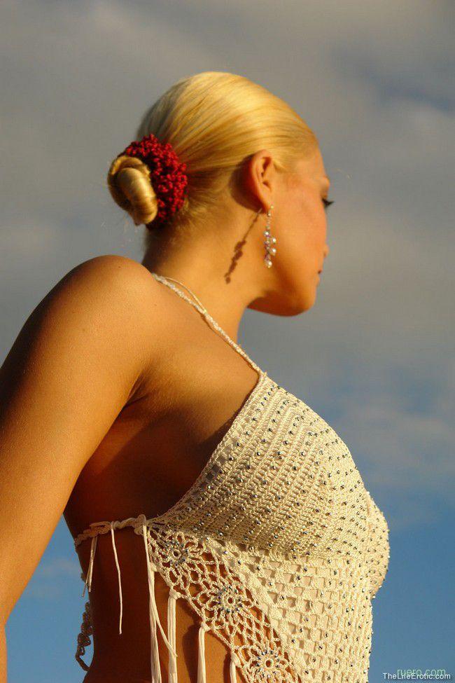 Adriana : закат на скале