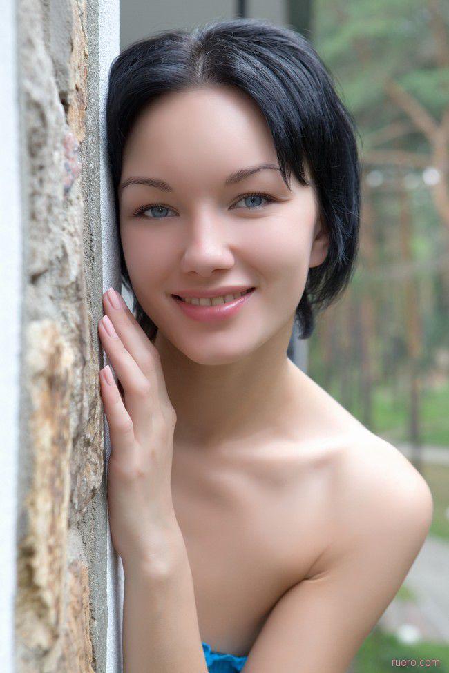 Loreen : обжигающий серый взгляд