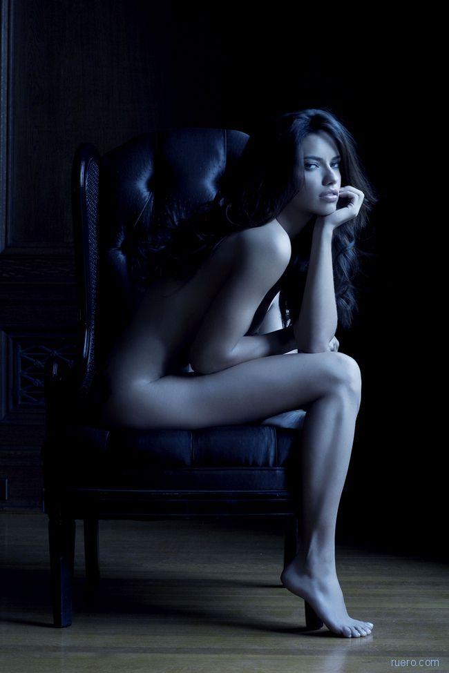 Ночь в кресле