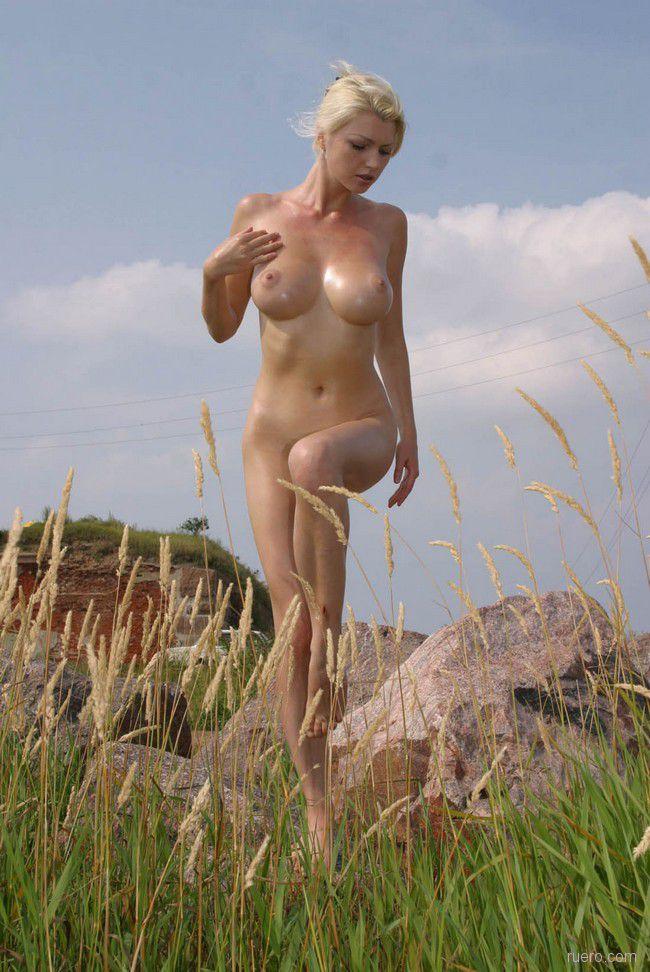 Камни в поле