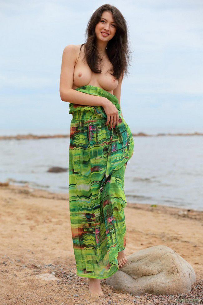 Ganna A : костер на пляже